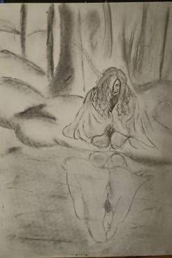 Älvan som speglar sig, Kolteckning, ur serien Skogensväsen. Bekom Älvan finns en portal som hon kommer från, men hon ska bara se ner i vattnet om hon kan se sig själv, kan Älvor spegla sig?